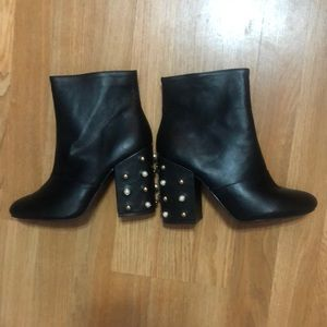 Candie's women's 8.5 med black boots